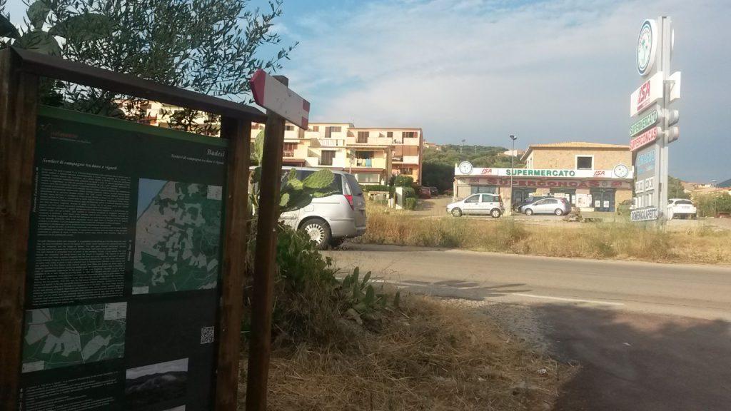 Badesi -Abzweigung zum Wanderweg nach Badesi de Mar