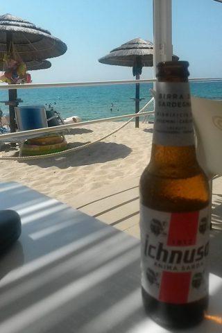 Valledoria Sardinien - Mittagspause Strandbude mit ichnusa