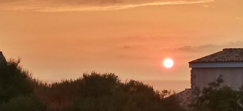 Sardinien Badesi - Sonnenuntergang vom Appartmentbalkon