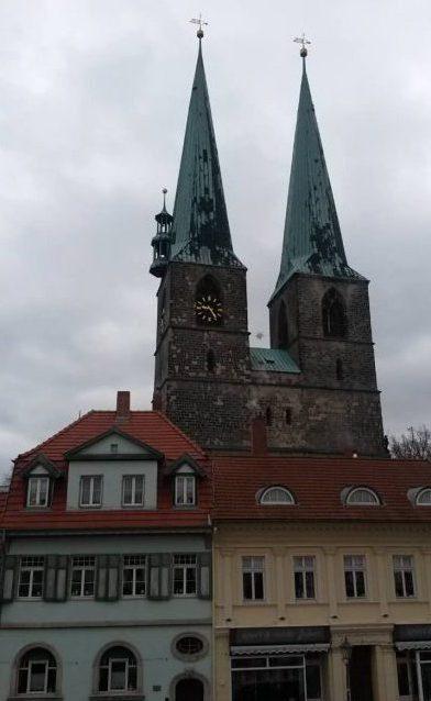 Quedlinburg_Blick_Spitztuerme_Saint_Nicolai_Kirche